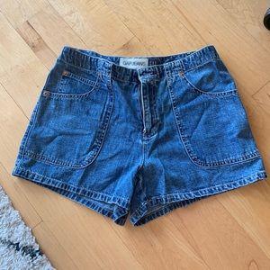 Vintage looking Gap denim shorts